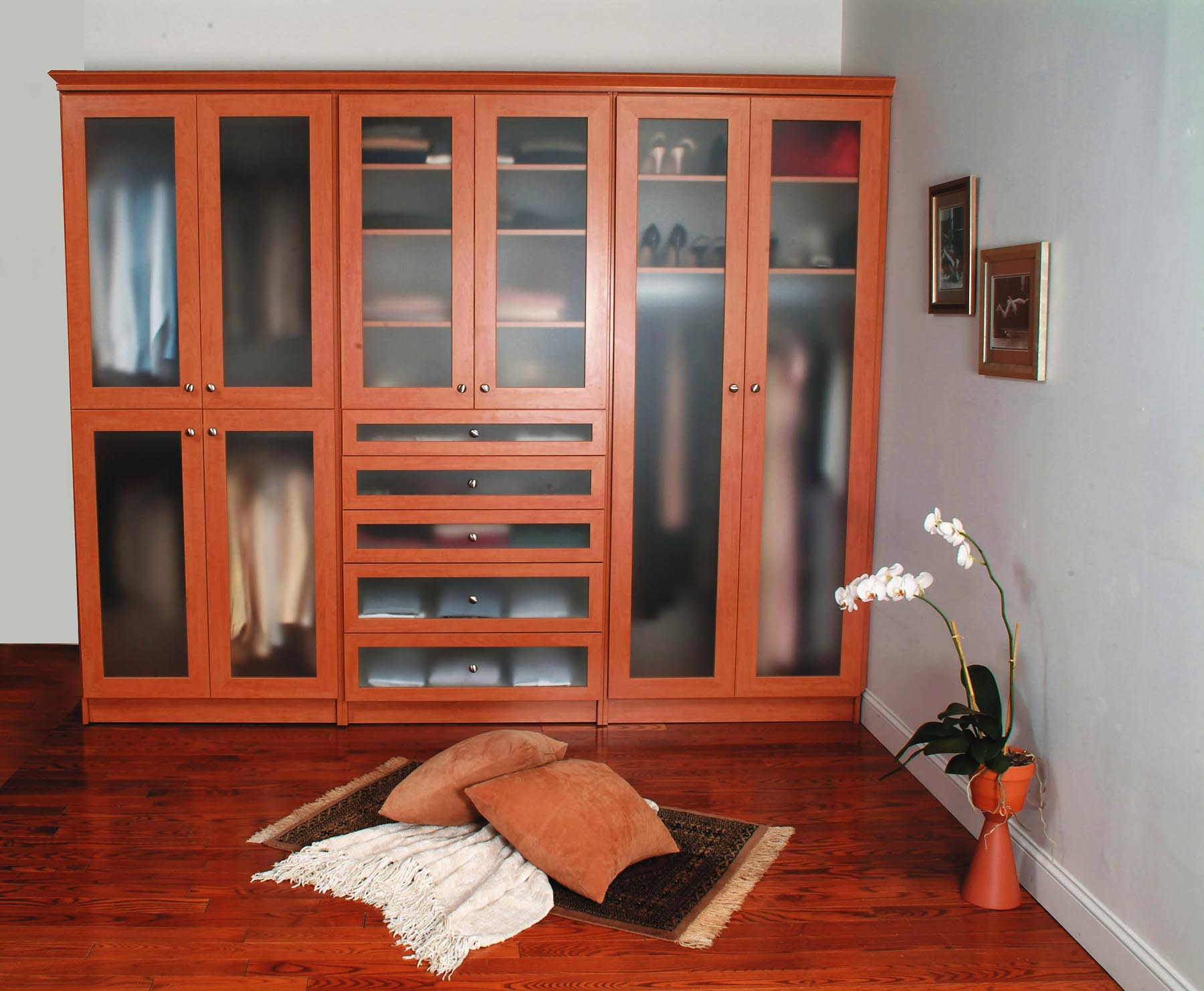 A Buyer's Guide to Custom Closets