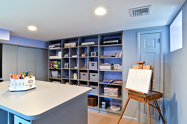 Craft and hobby room with shelf orgnization