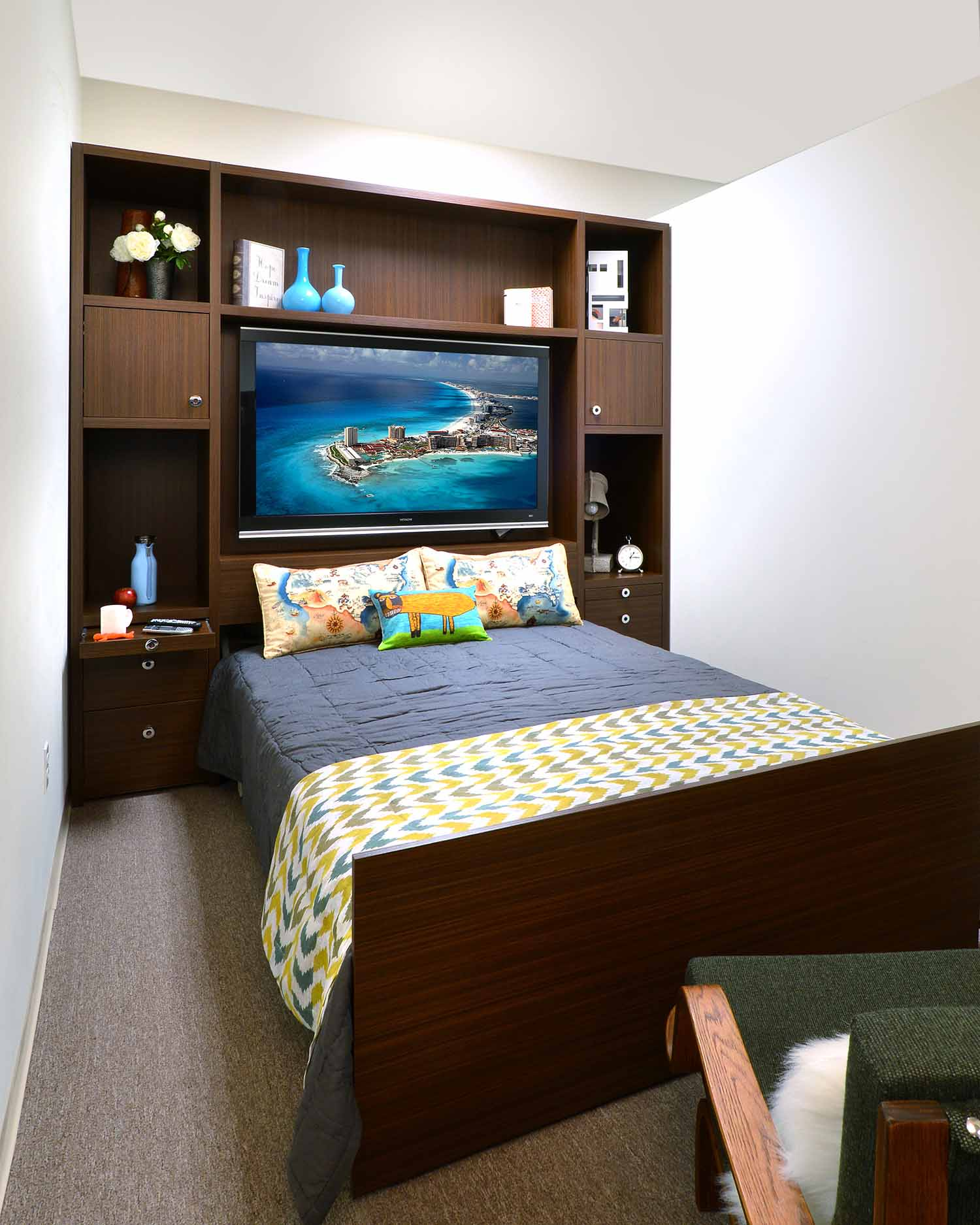 Zoom room bed with entertainment center
