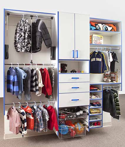 Kids reach-in closet with pull down rod