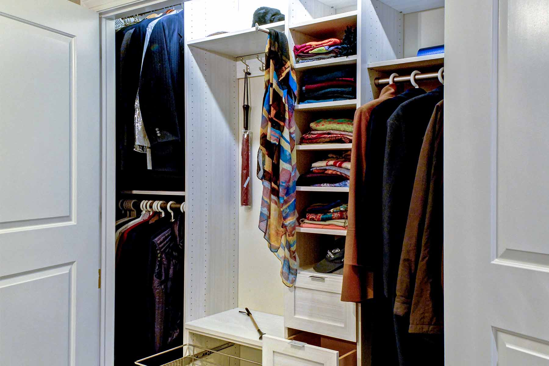 6 Ideas for Designing Your Custom Reach-in Closet