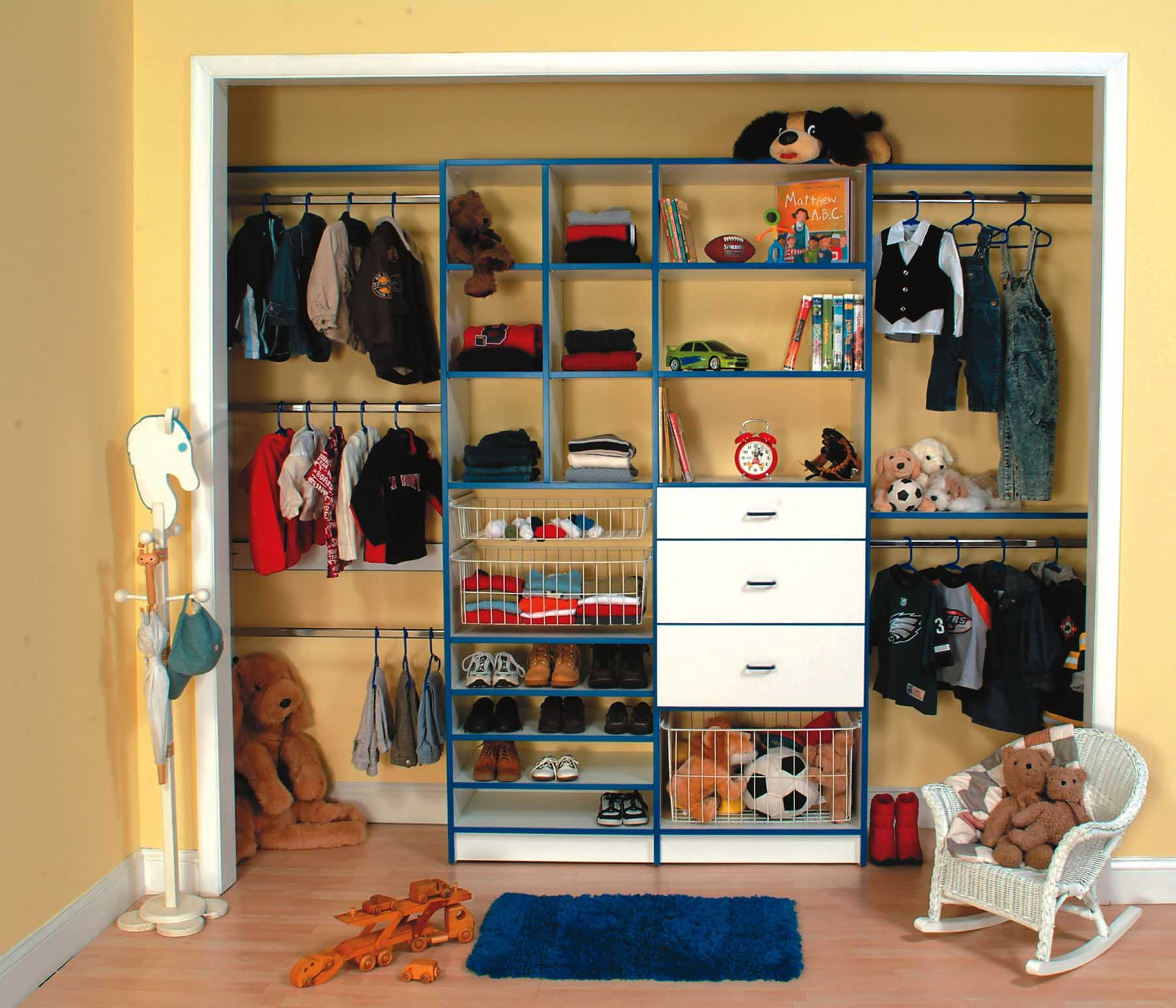 Organized childrens rech in closet