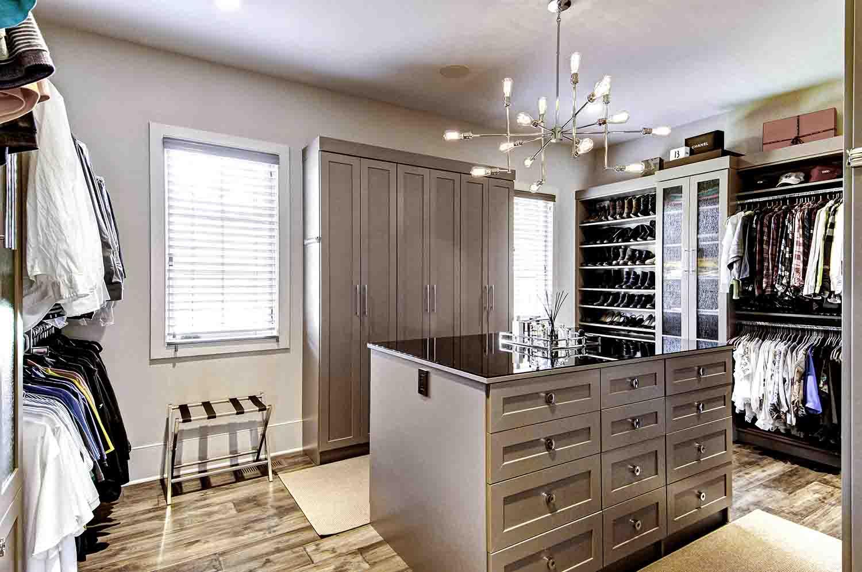 Organized walk-in closet system