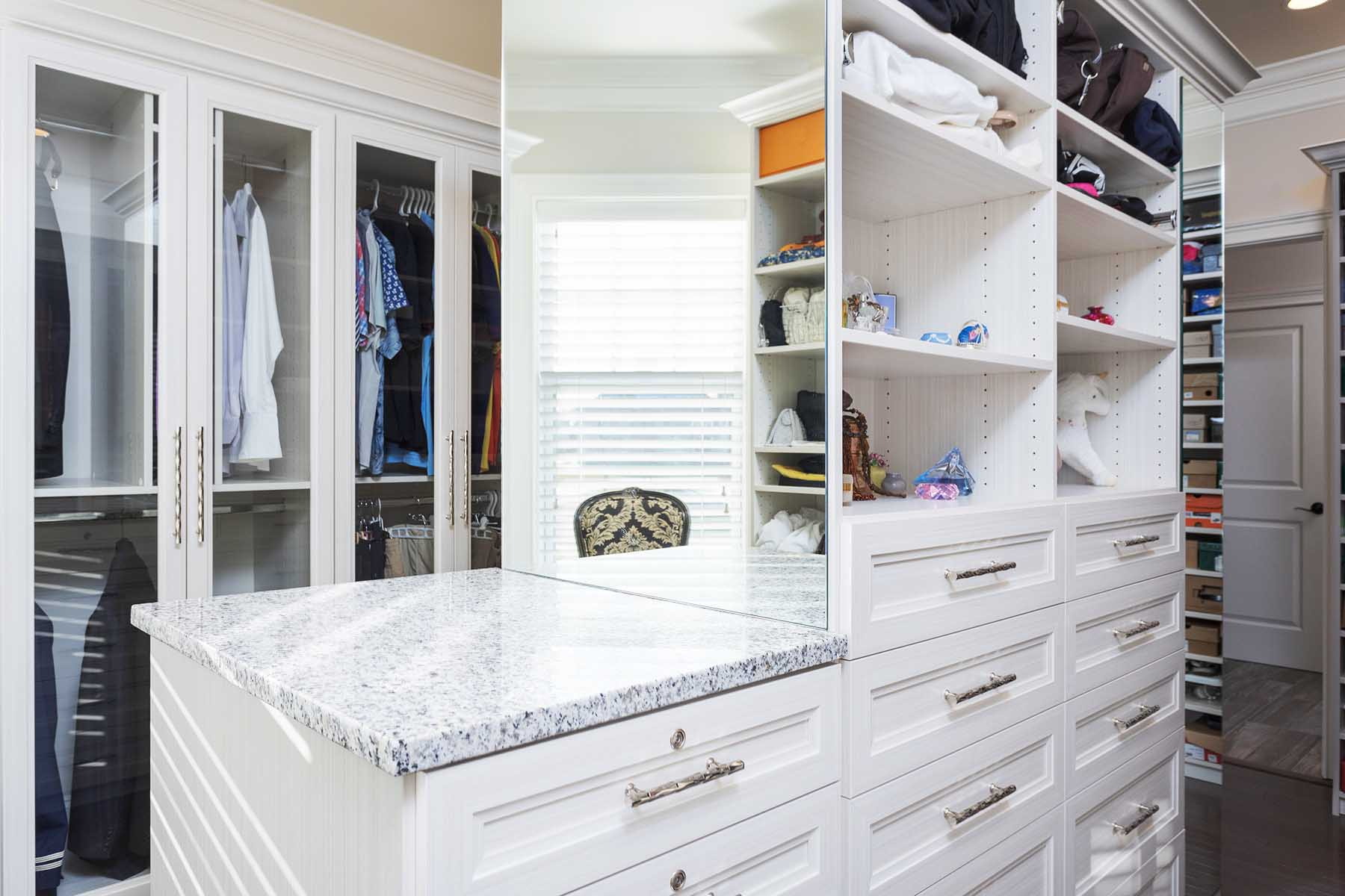 Walk-in Closet Organizing System