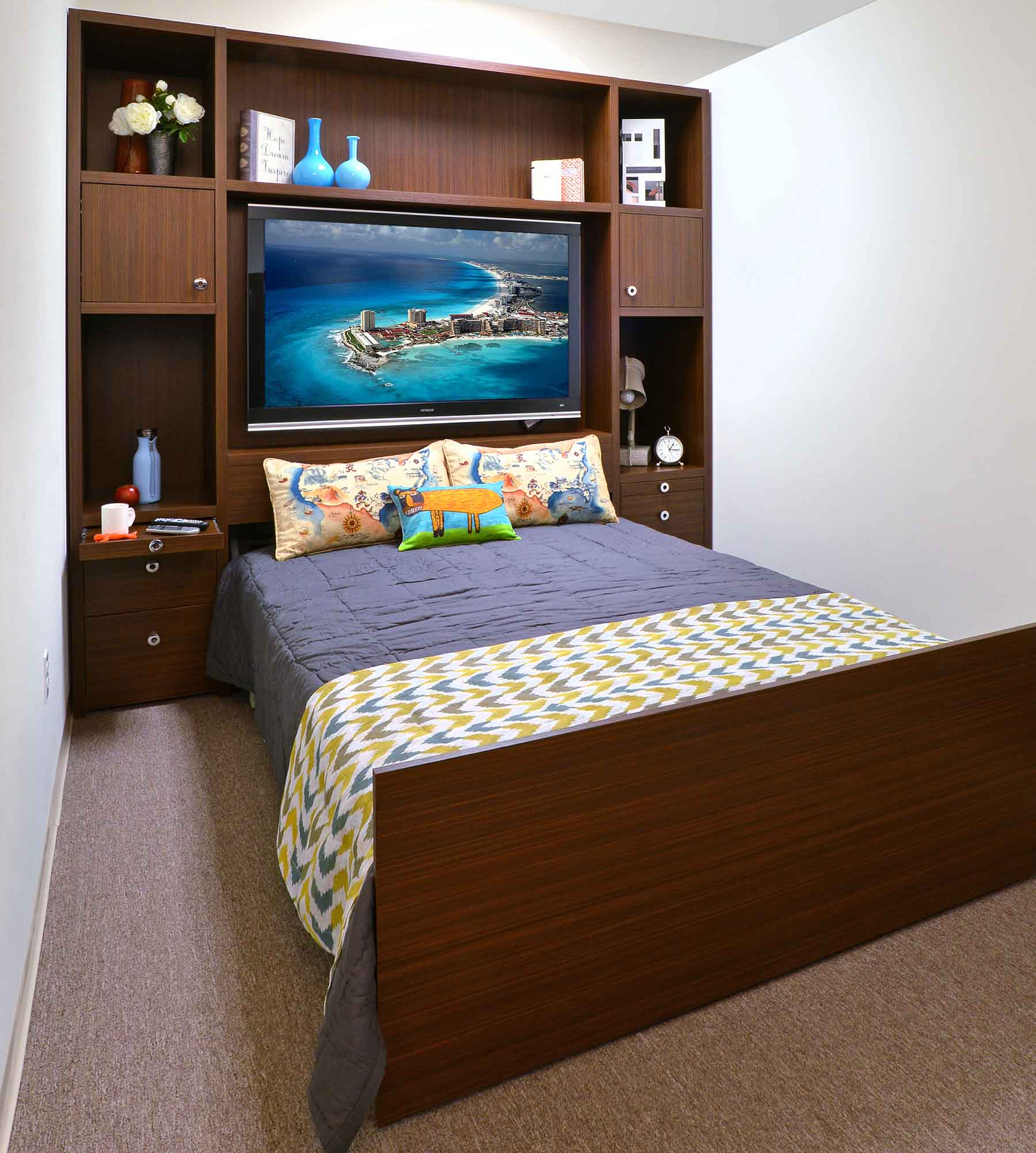 Organization Inspiration: 8 Superb Space-Saving Beds