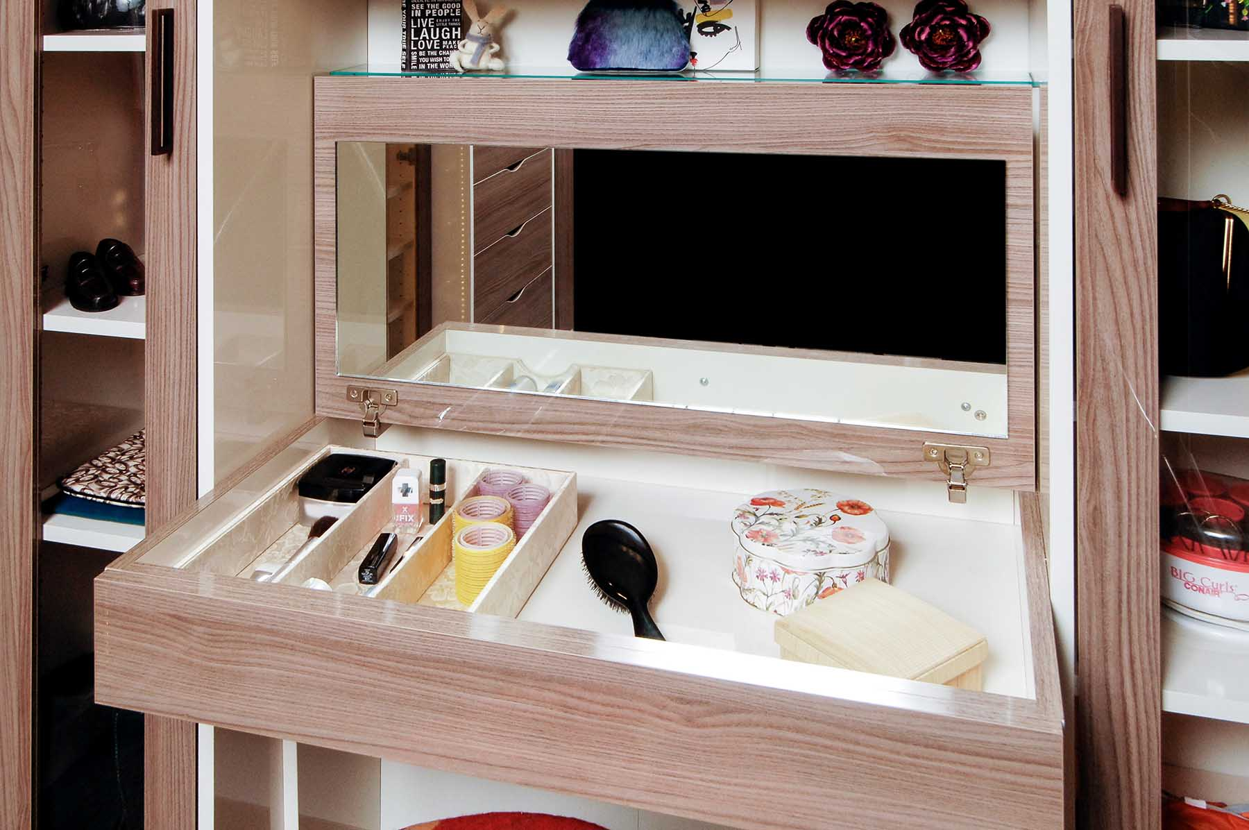 Drawer insert closet accessory in vanity