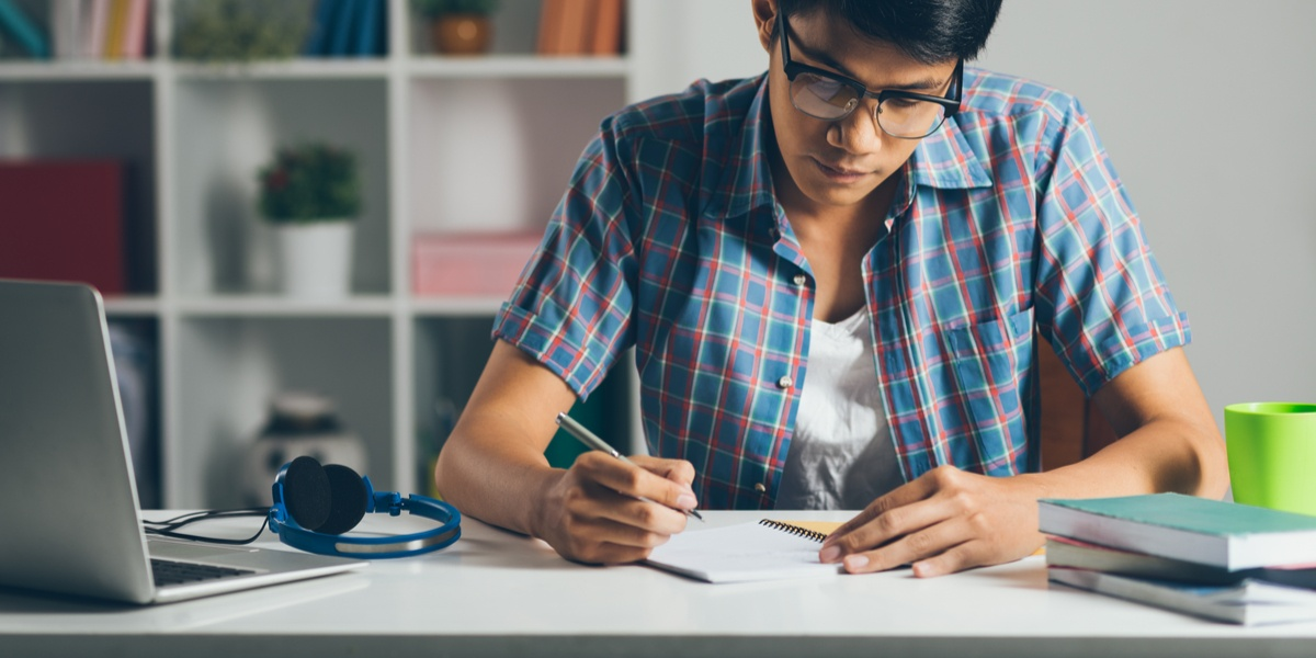 How to Create the Ultimate At-Home Study Space for Your Student