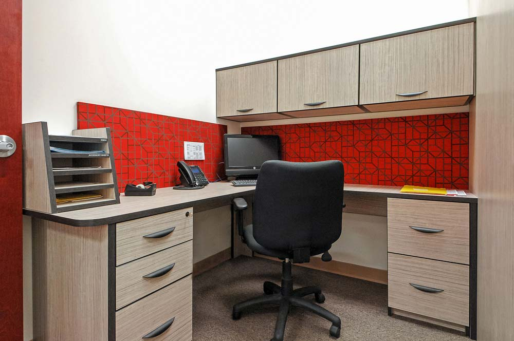 Clutter free and digitized commercial office design