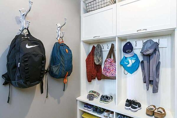 Fantastic mudroom and entryway idea to store childrens backpacks and shoes
