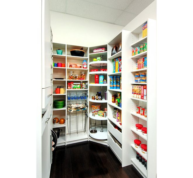Organized pantry design with Lazy Susan