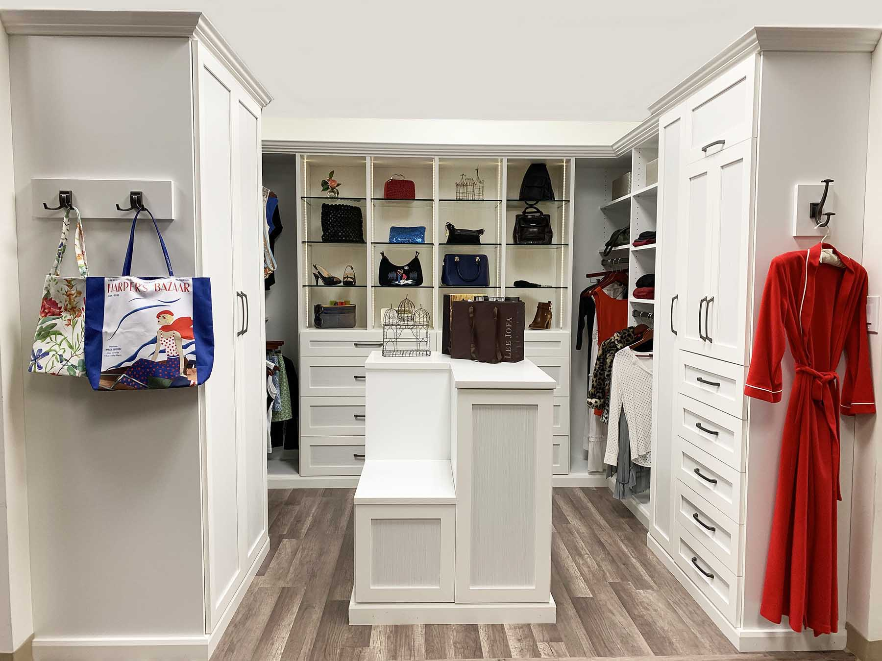 Custom Closets – How To Recognize Well Built Custom Closet Systems