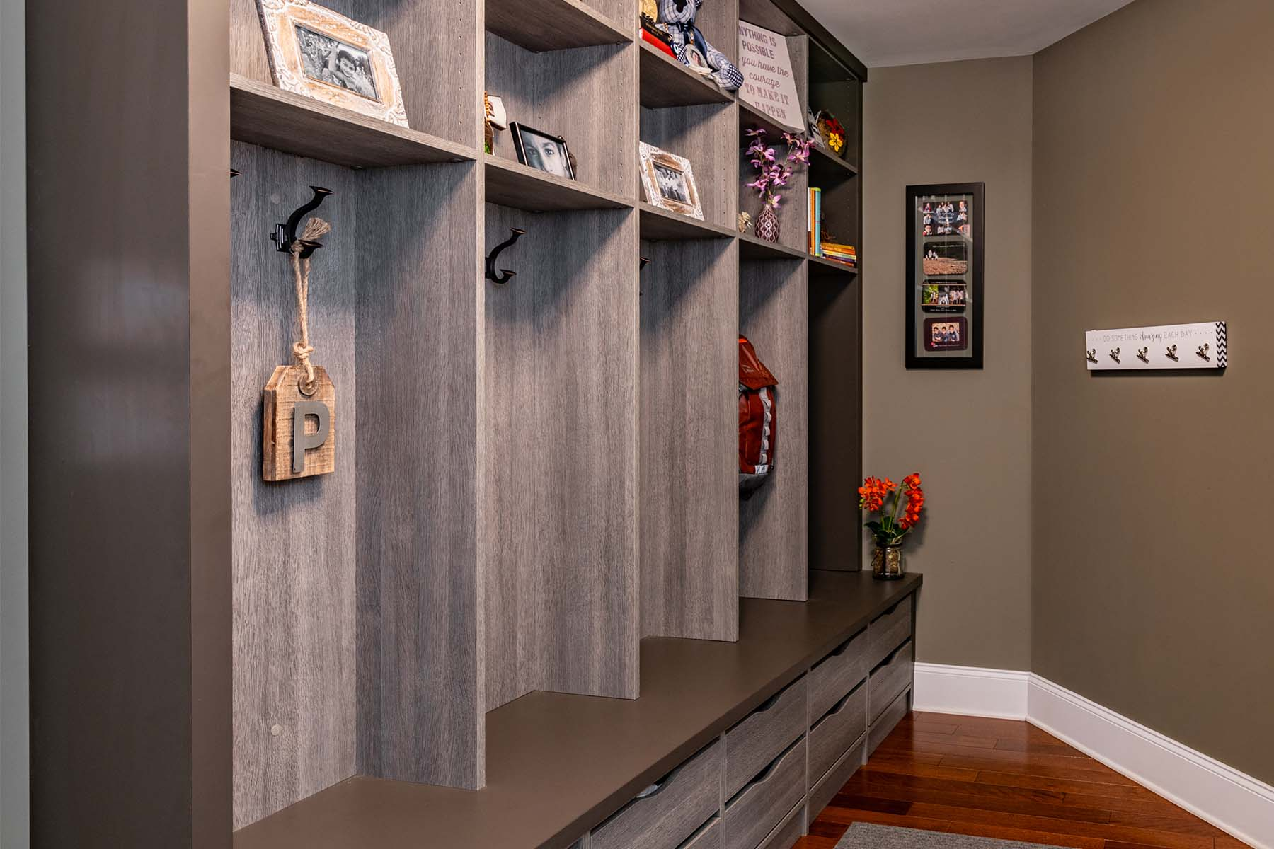 How to Best Organize a Mudroom