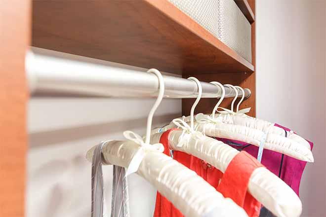 Closet rods accessories
