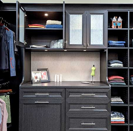 Door and drawer styles on closet cabinet