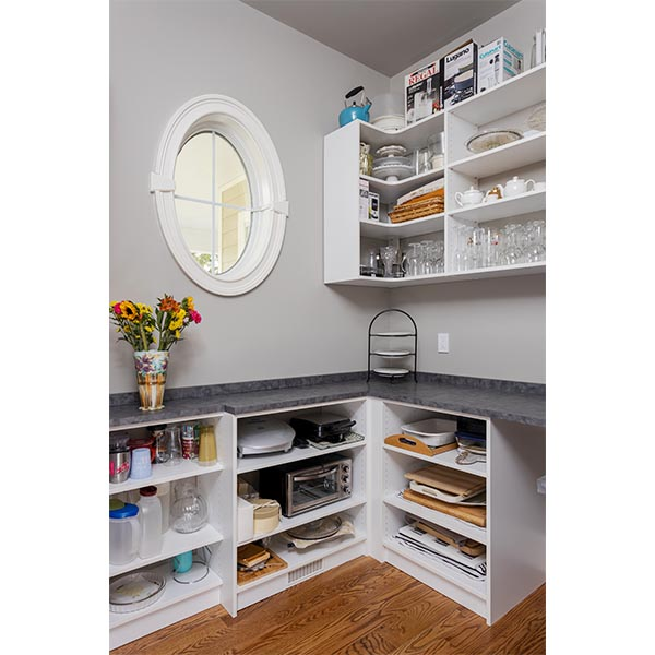 U shaped custom closet pantry design with L shaped corner shelving