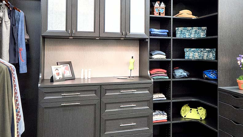 Walk in closet cabinets and shelving