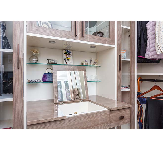 Flip top mirrored vanity with built in storage compartment for cosmetics and brushes