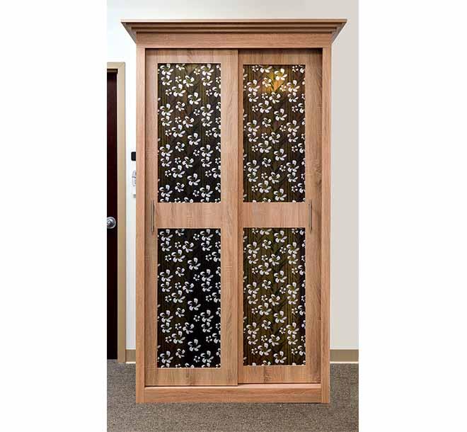Styled glass inserts on wardrobe sliding doors