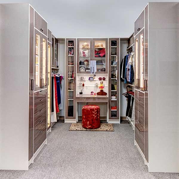 High Gloss Walk In Closet Installation