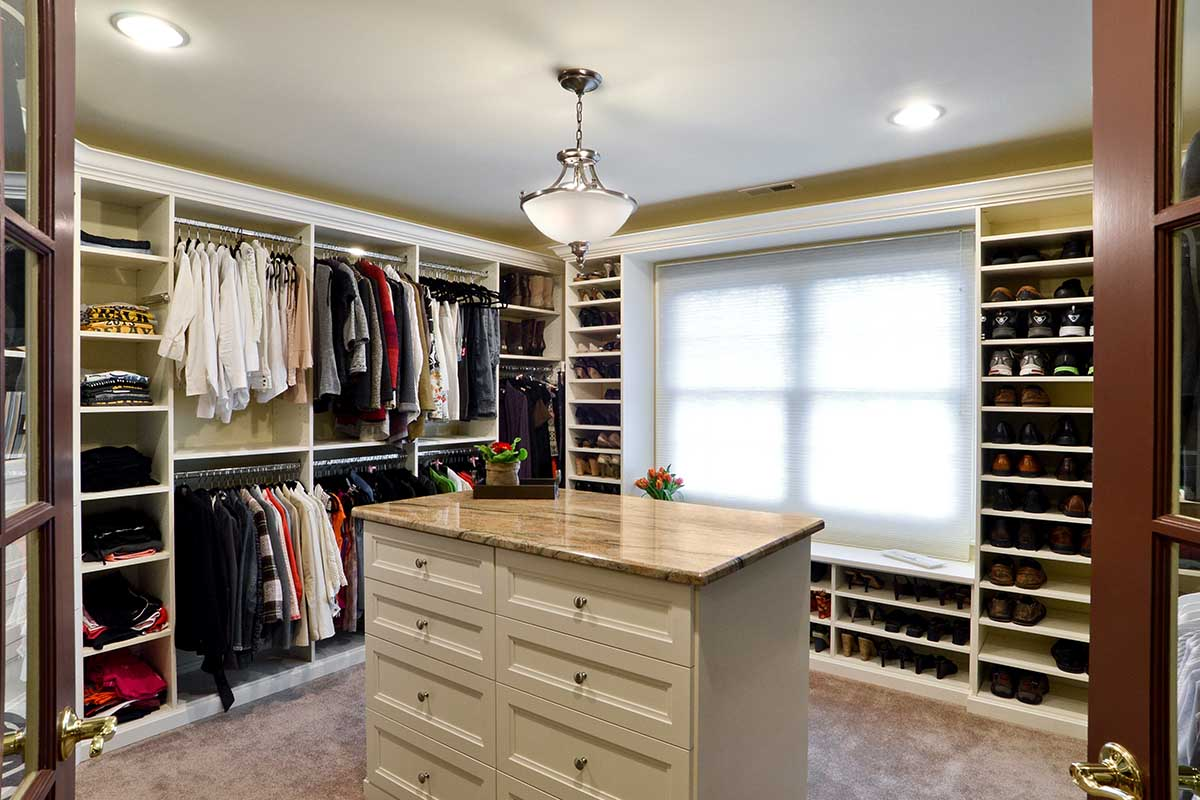 Beautiful and elegant walk-in closet organizer and system with center island