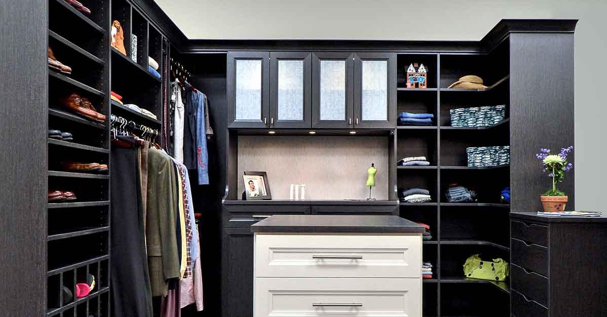 Functional walk in closet design