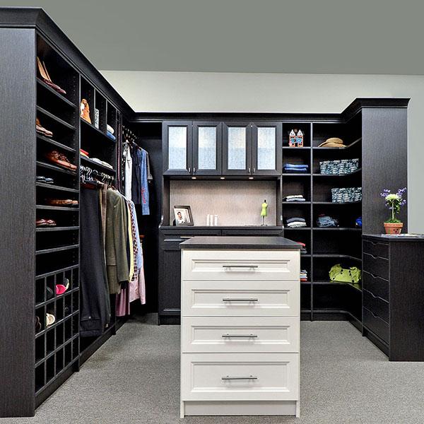 Custom closet design by The Closet Works company